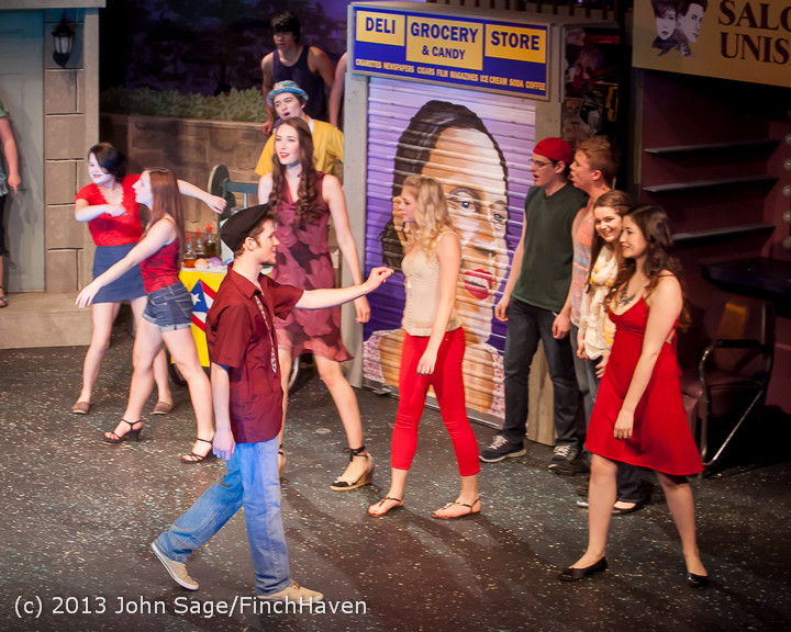 7162 In The Heights VHS Drama 2013 032413