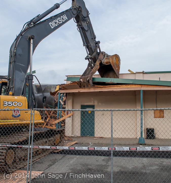 0611 B Bldg Demolition Day one 01152014
