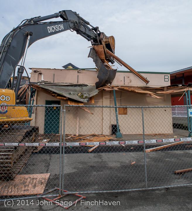 0638 B Bldg Demolition Day one 01152014