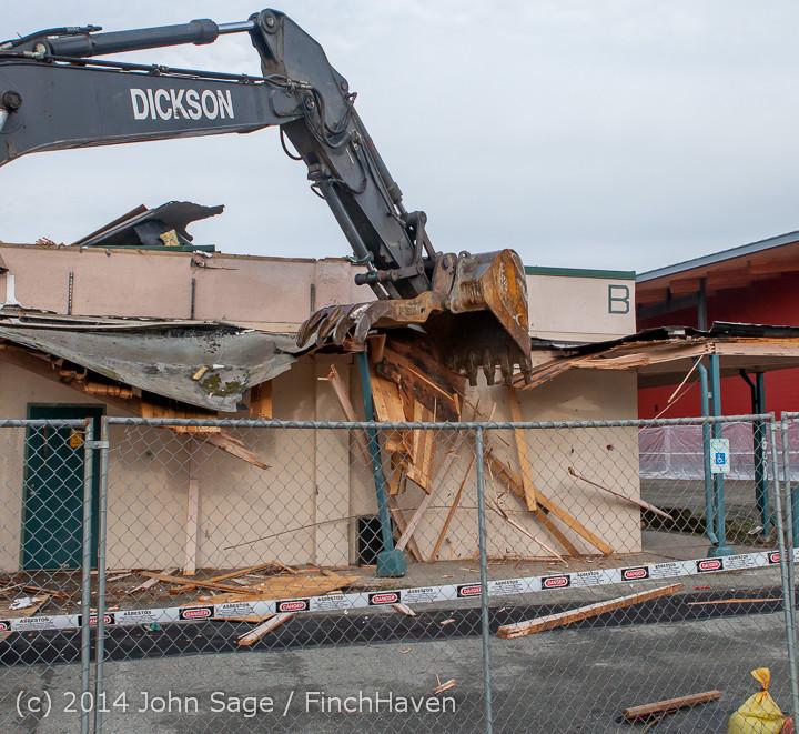 0647 B Bldg Demolition Day one 01152014
