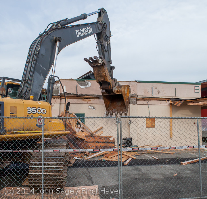 0686 B Bldg Demolition Day one 01152014