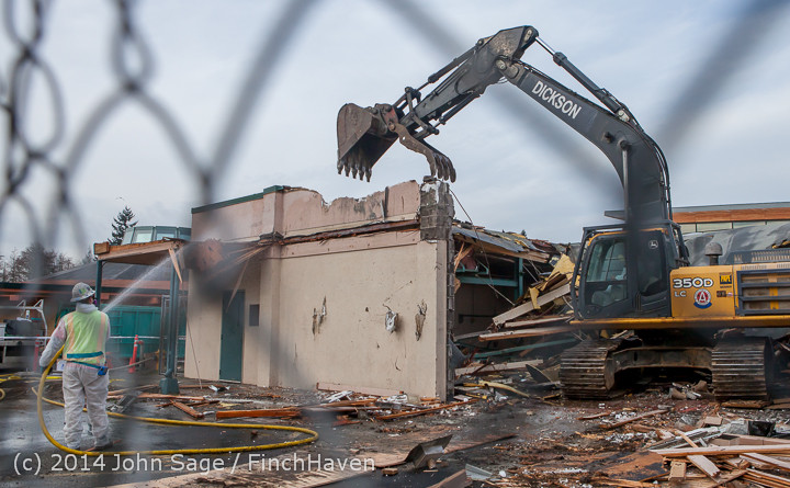 0885 B Bldg Demolition Day one 01152014