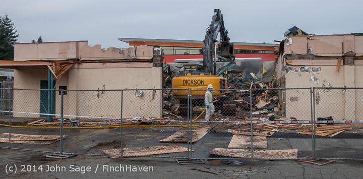 0930 B Bldg Demolition Day one 01152014