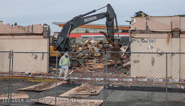 0953 B Bldg Demolition Day one 01152014