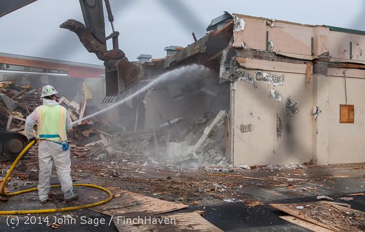 1033 B Bldg Demolition Day one 01152014