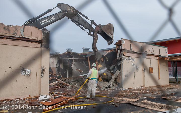 1043 B Bldg Demolition Day one 01152014