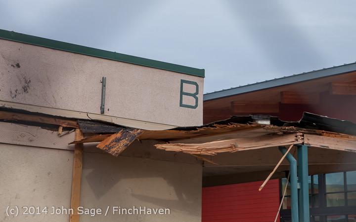 1066 B Bldg Demolition Day one 01152014
