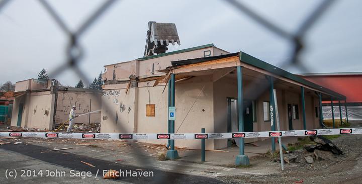 1071 B Bldg Demolition Day one 01152014
