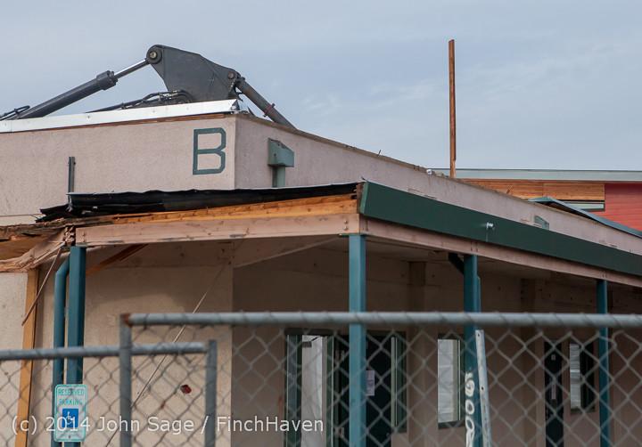 1085 B Bldg Demolition Day one 01152014