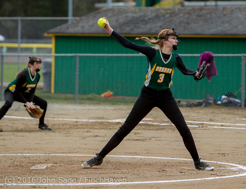 5017 Softball v Belle-Chr 032616