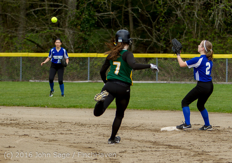 5335 Softball v Belle-Chr 032616