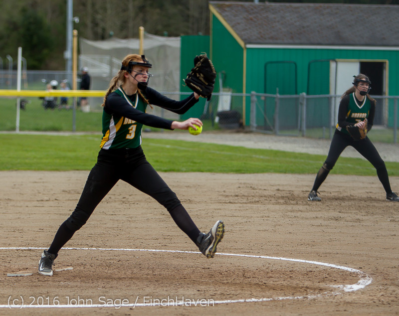 5600 Softball v Belle-Chr 032616