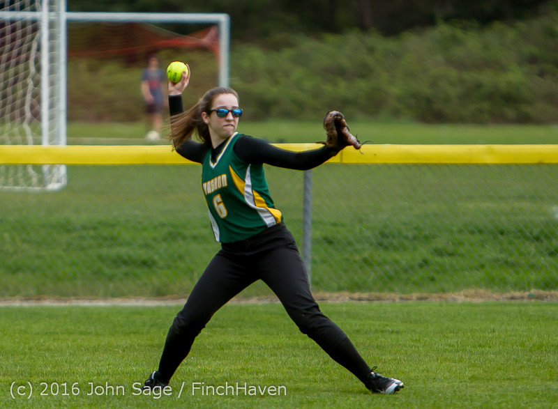 5672 Softball v Belle-Chr 032616