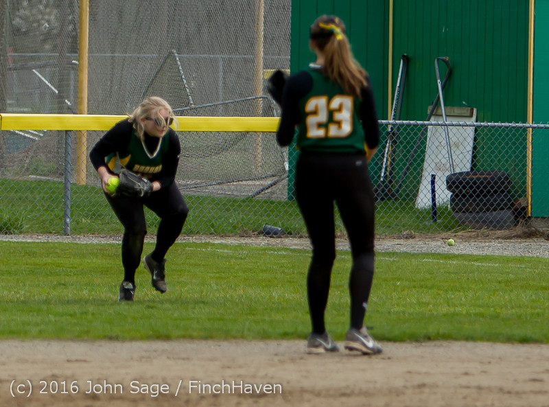 6129 Softball v Belle-Chr 032616