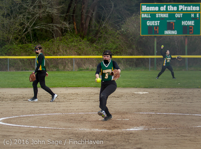 6392 Softball v Belle-Chr 032616