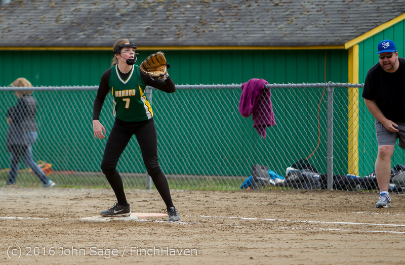 6463 Softball v Belle-Chr 032616