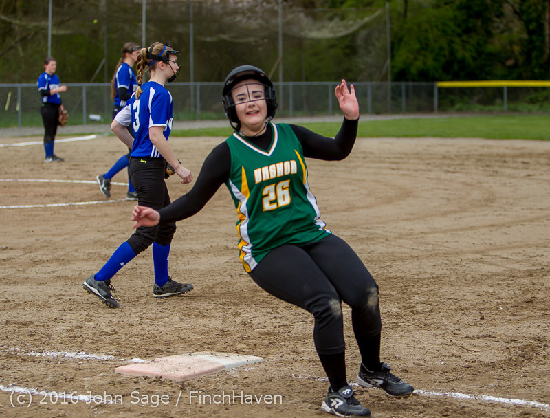 6675 Softball v Belle-Chr 032616