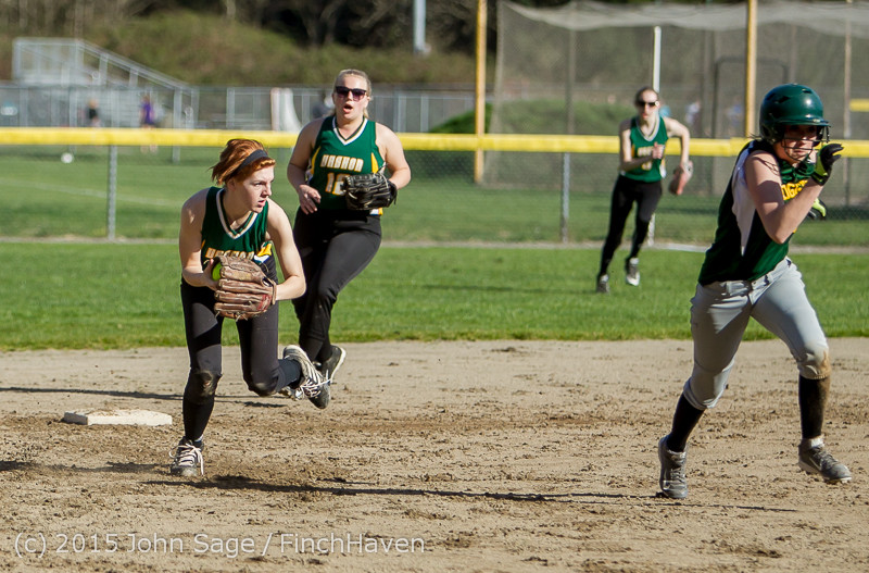 3824_Softball_v_Darrington_031815