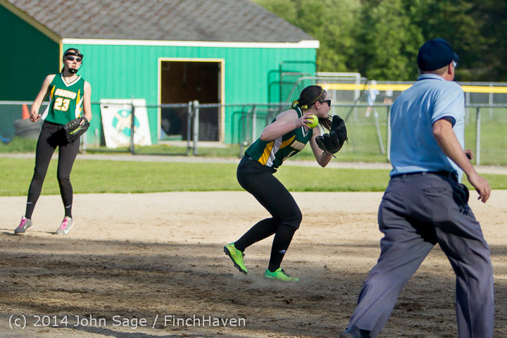 1686 Softball v University-Prep 042914