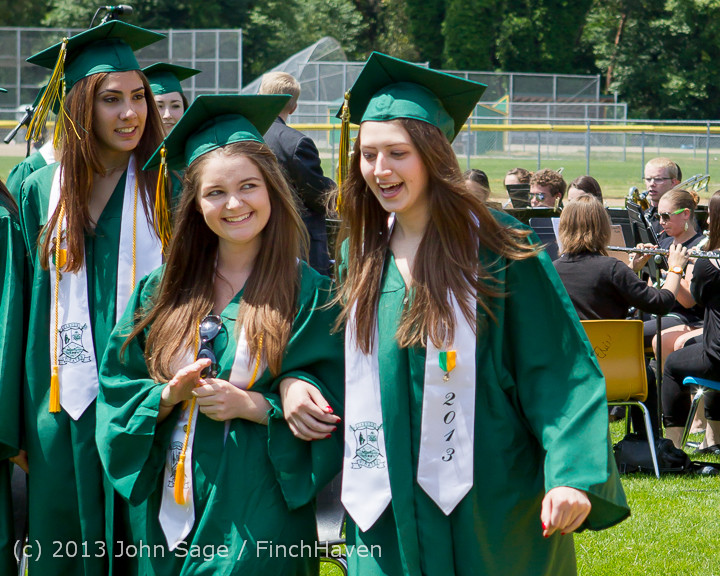2032_Vashon_Island_High_School_Graduation_2013_061513