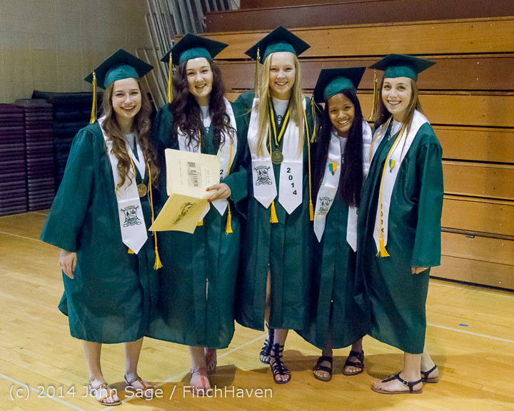 2857_Vashon_Island_High_School_Graduation_2014_061414