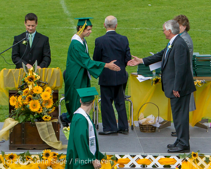 4288_Vashon_Island_High_School_Graduation_2014_061414