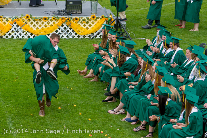 4712_Vashon_Island_High_School_Graduation_2014_061414