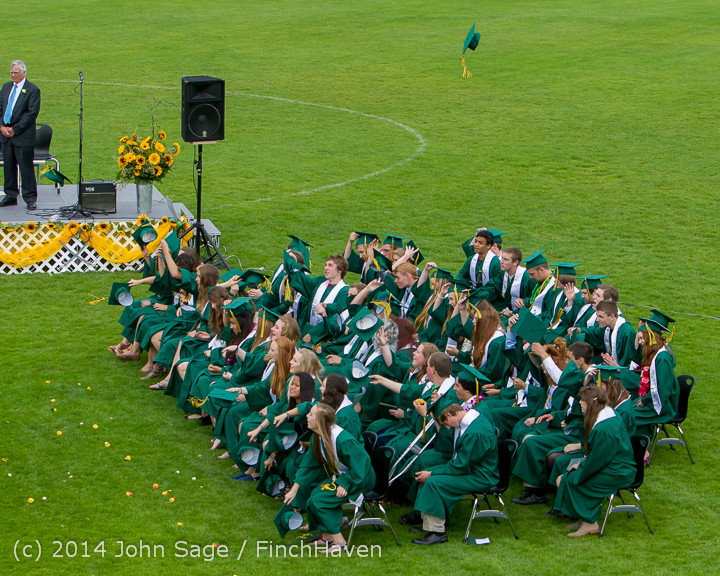 5015_Vashon_Island_High_School_Graduation_2014_061414