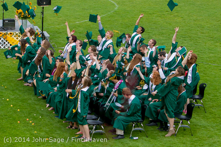 5022-a_Vashon_Island_High_School_Graduation_2014_061414