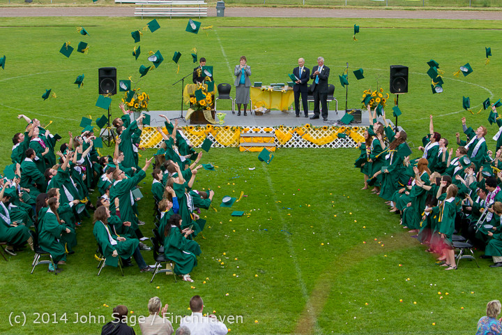 5025_Vashon_Island_High_School_Graduation_2014_061414