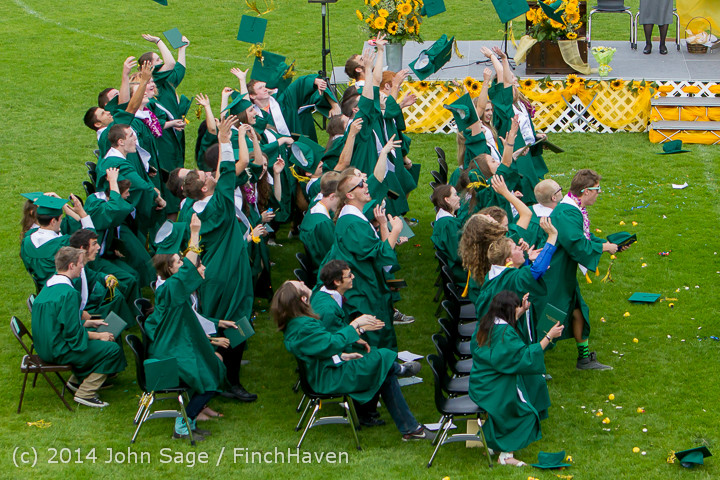 5031-a_Vashon_Island_High_School_Graduation_2014_061414