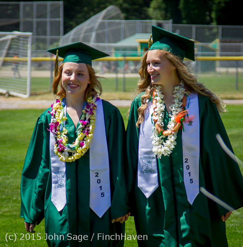 6387-a Vashon Island High School Graduation 2015 061315