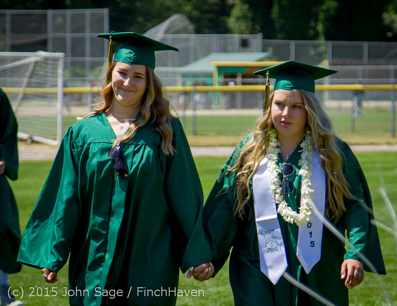 6440-a_Vashon_Island_High_School_Graduation_2015_061315