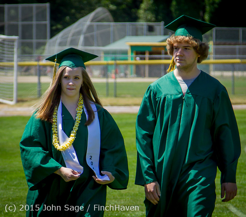 6566-a_Vashon_Island_High_School_Graduation_2015_061315