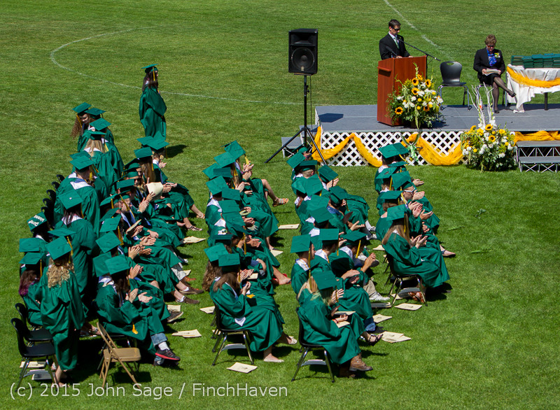 7004_Vashon_Island_High_School_Graduation_2015_061315