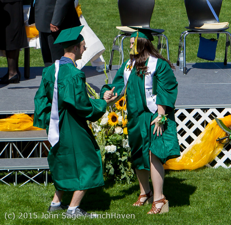 7060_Vashon_Island_High_School_Graduation_2015_061315