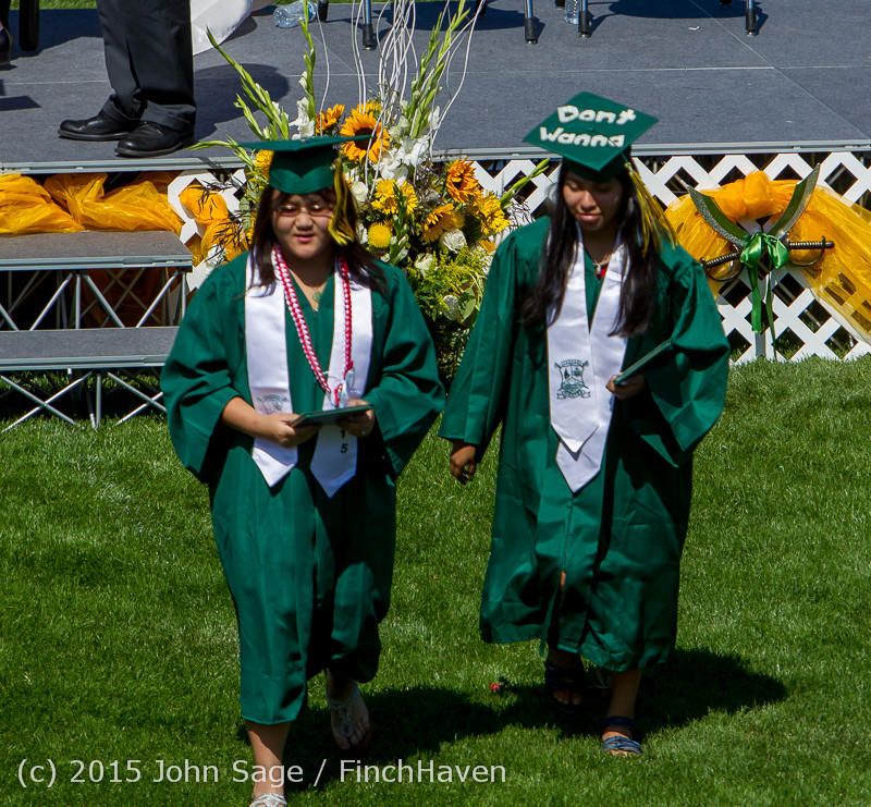 7078_Vashon_Island_High_School_Graduation_2015_061315