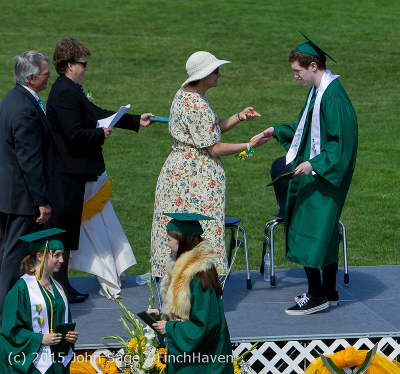 7164_Vashon_Island_High_School_Graduation_2015_061315