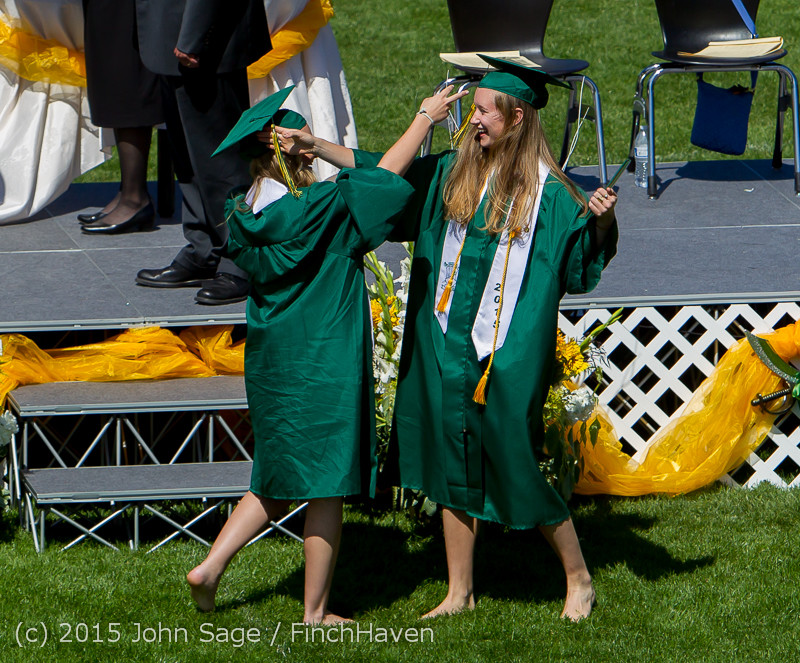 7260_Vashon_Island_High_School_Graduation_2015_061315