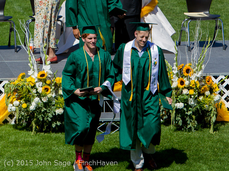 7294_Vashon_Island_High_School_Graduation_2015_061315