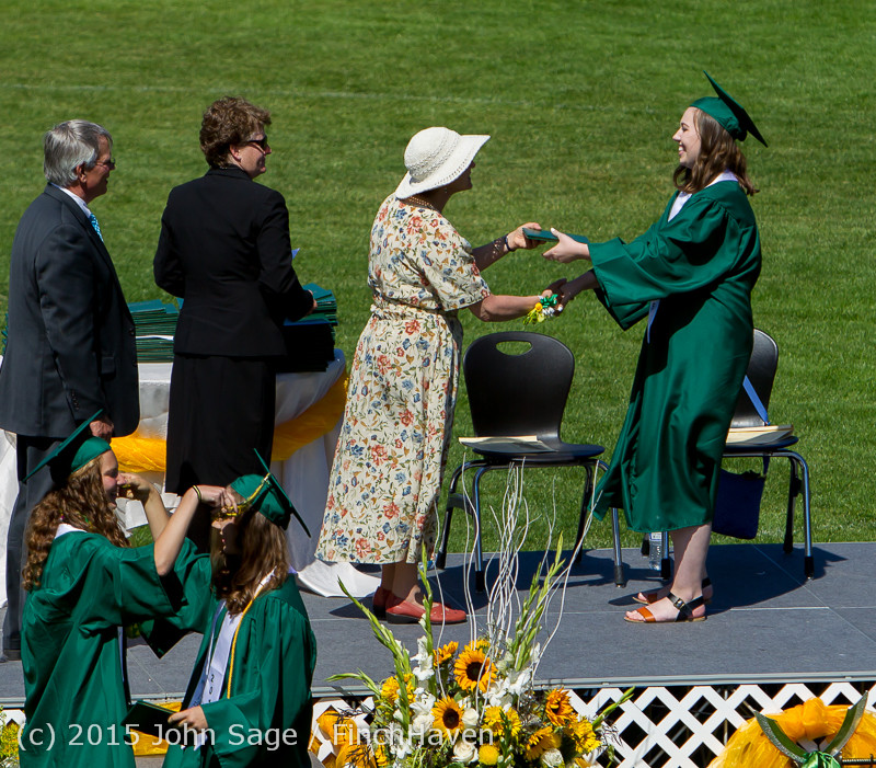 7337_Vashon_Island_High_School_Graduation_2015_061315