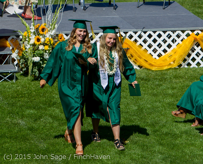 7370_Vashon_Island_High_School_Graduation_2015_061315