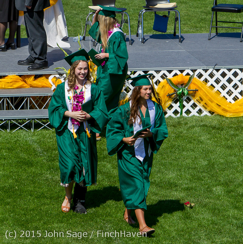 7440_Vashon_Island_High_School_Graduation_2015_061315