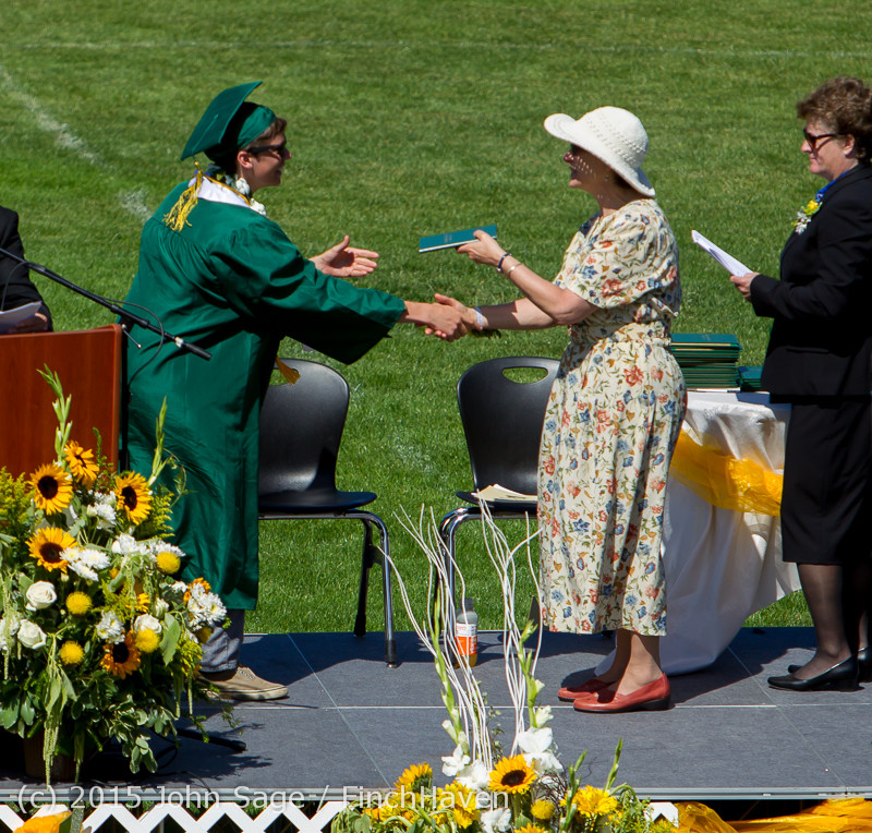 7509_Vashon_Island_High_School_Graduation_2015_061315
