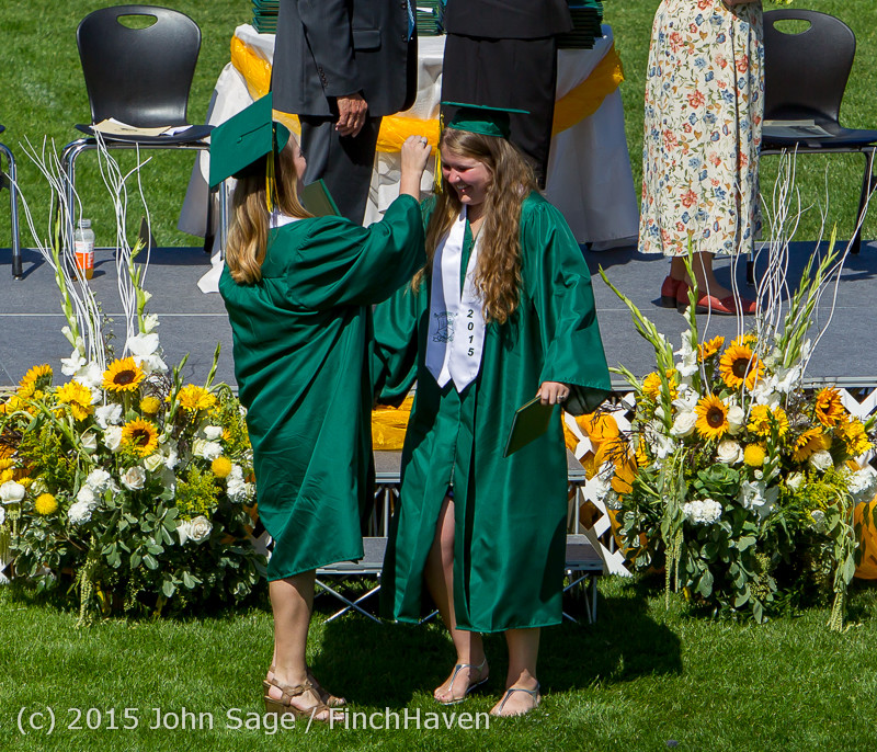 7562_Vashon_Island_High_School_Graduation_2015_061315