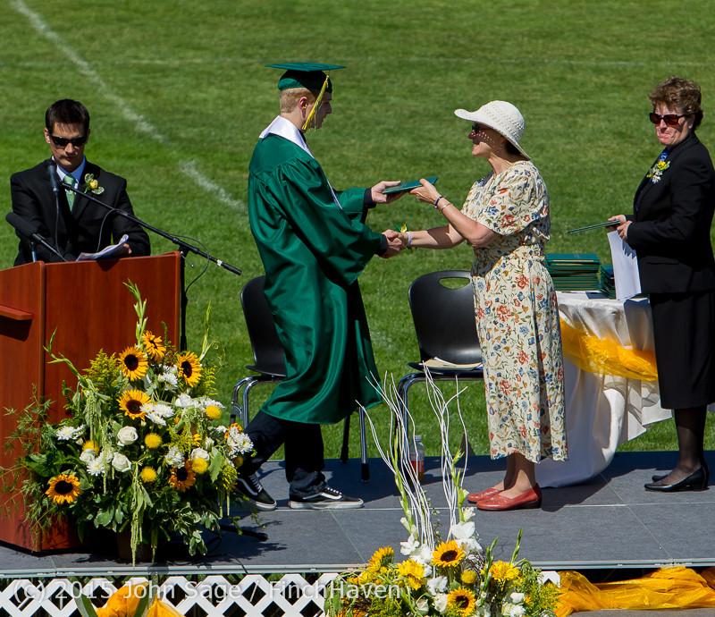 7640 Vashon Island High School Graduation 2015 061315
