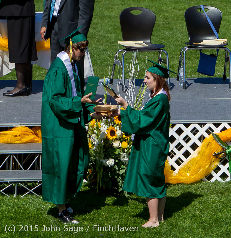 7660 Vashon Island High School Graduation 2015 061315