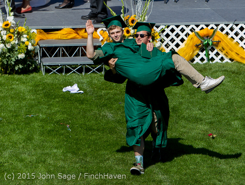 7687_Vashon_Island_High_School_Graduation_2015_061315