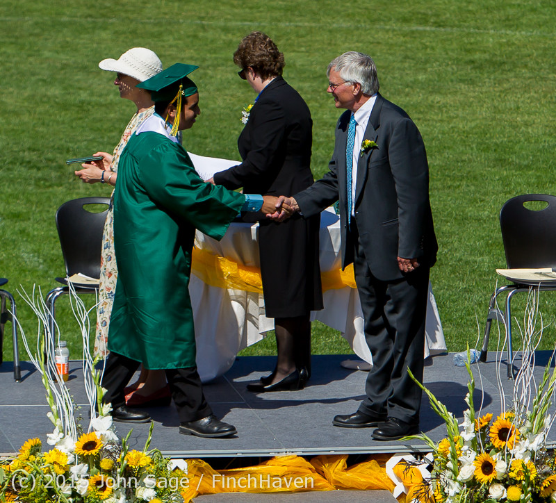 7688_Vashon_Island_High_School_Graduation_2015_061315