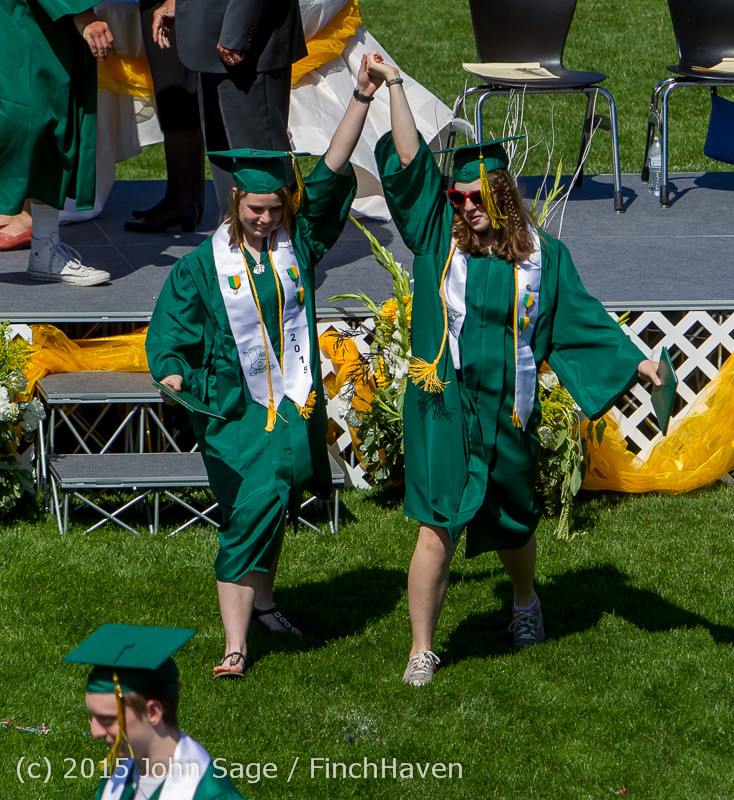 7793_Vashon_Island_High_School_Graduation_2015_061315